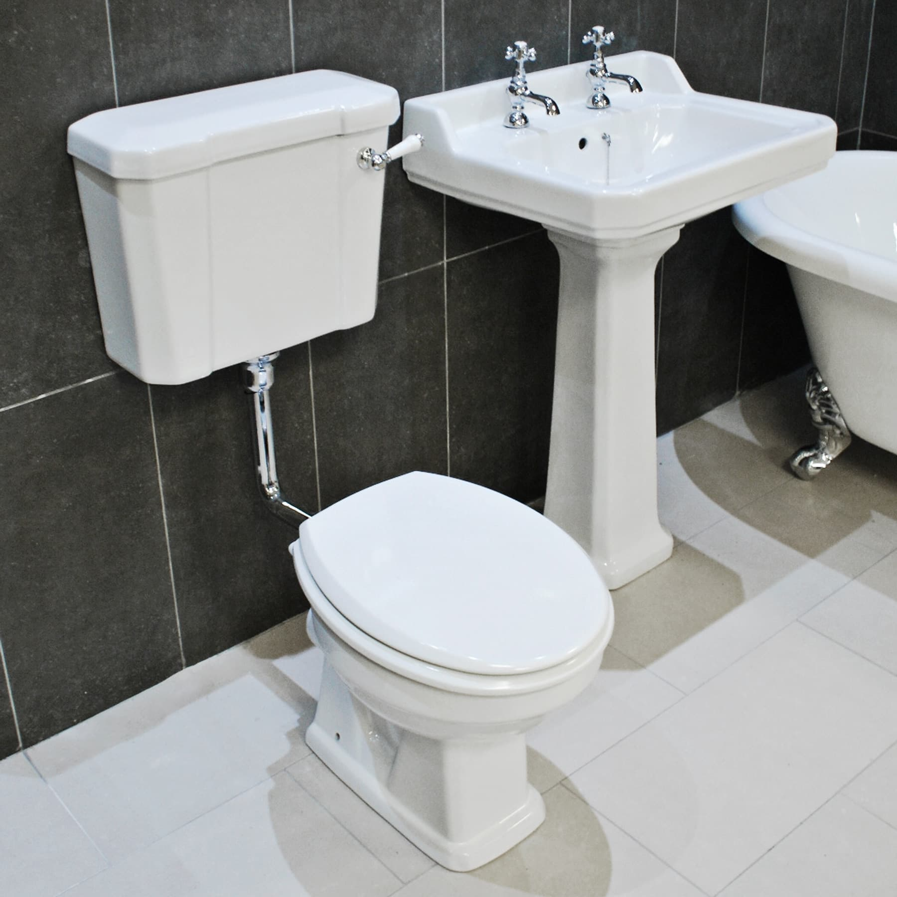 Traditional Low Level Toilet Amp Basin Set Victorian Style