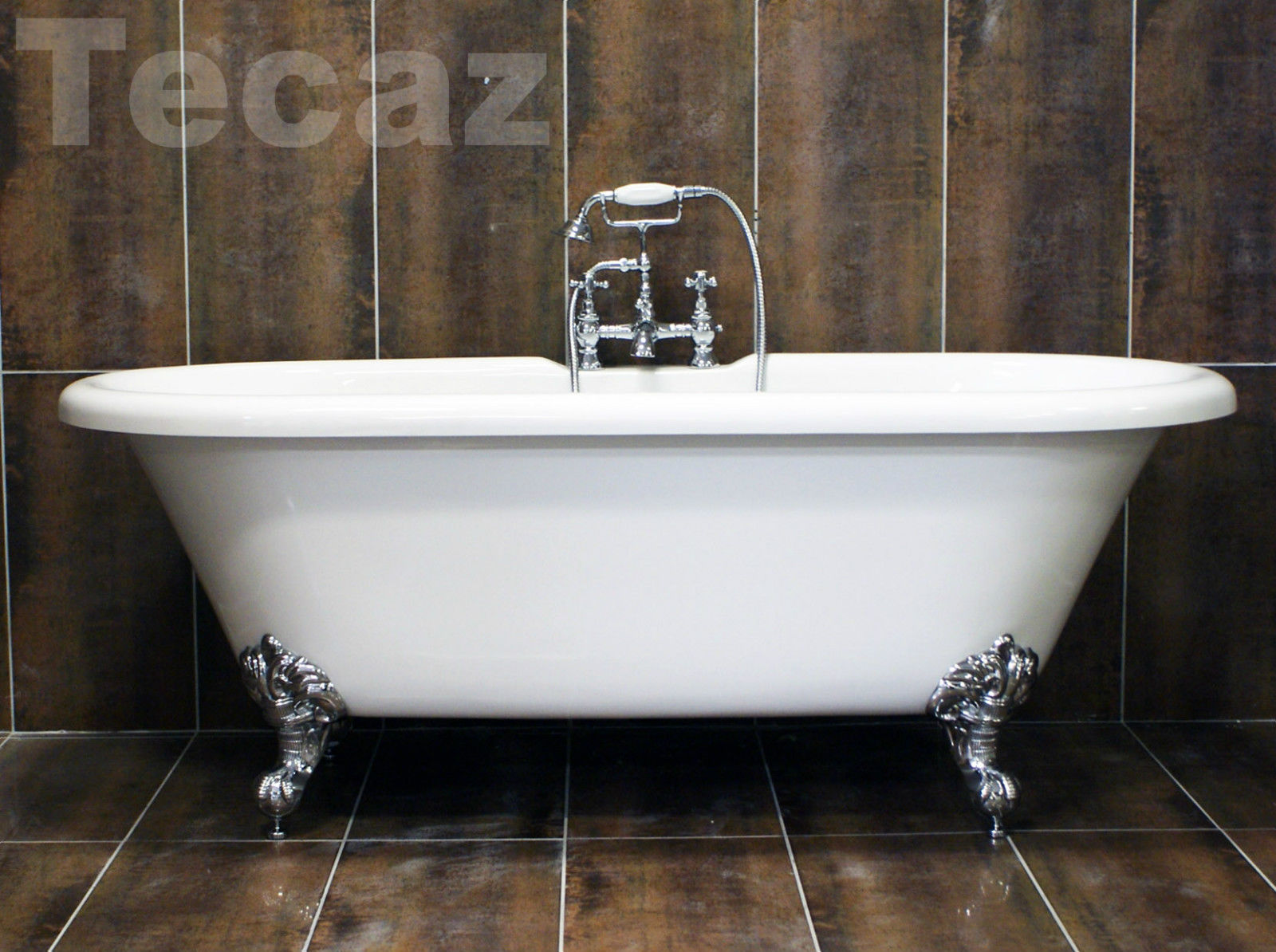 Traditional Freestanding Roll Top Bath With Chrome Ball