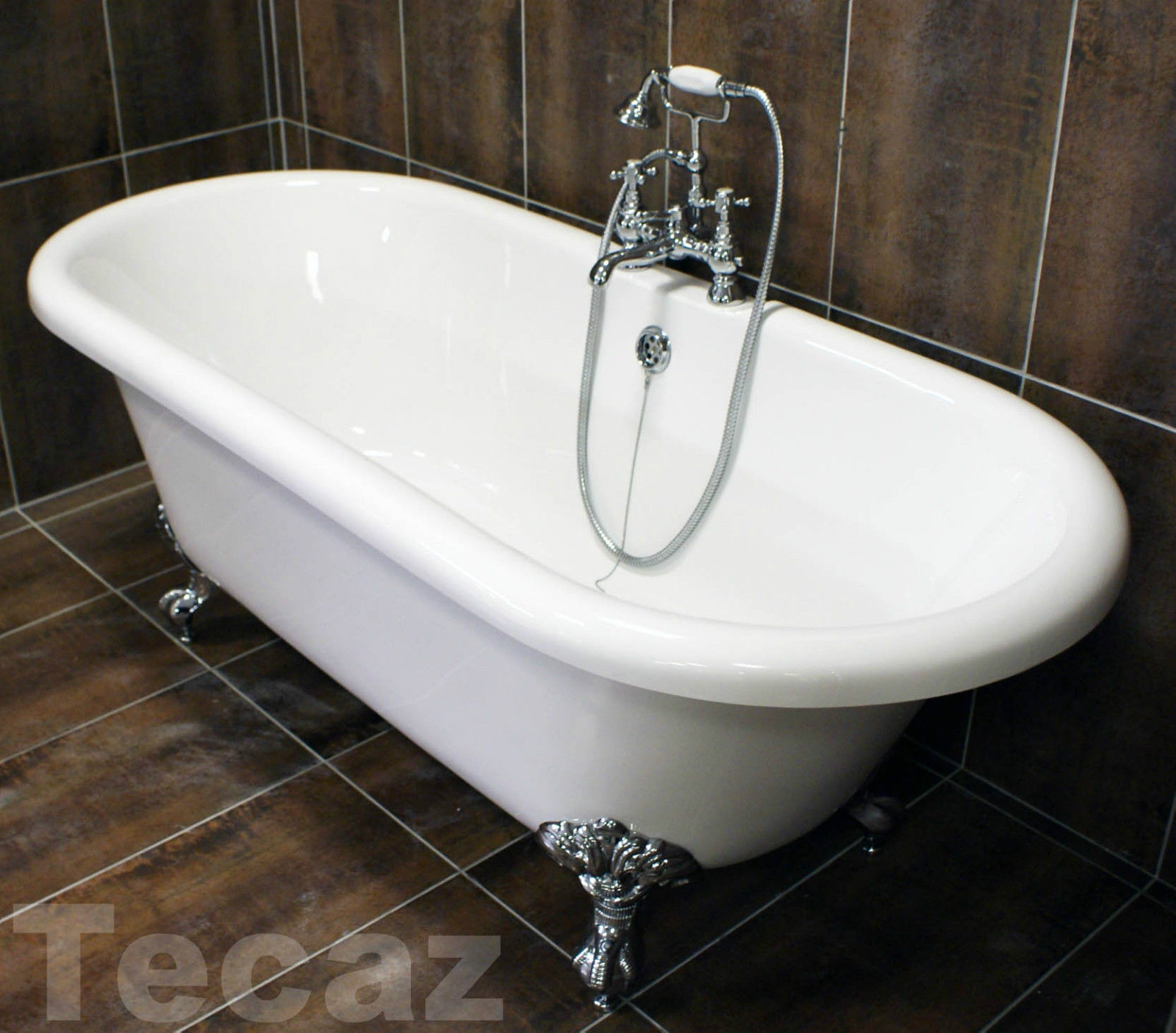 Traditional Freestanding Roll Top Bath with Chrome Ball & Claw Feet ...