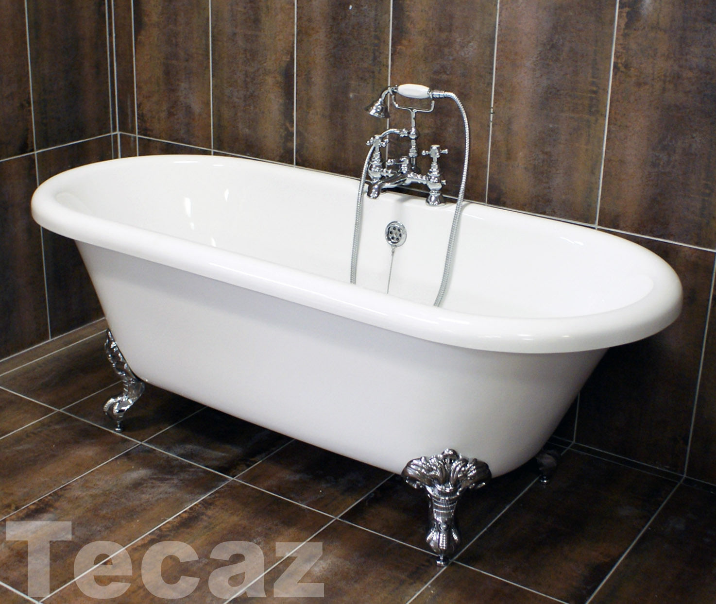 Traditional freestanding roll top bath with chrome ball Chrome freestanding bathroom furniture