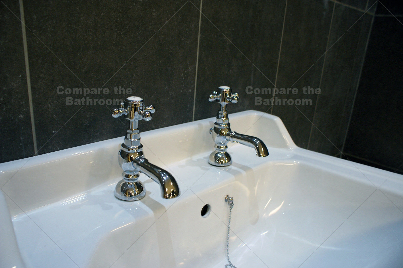 Traditional Victorian High Level Toilet Basin Set